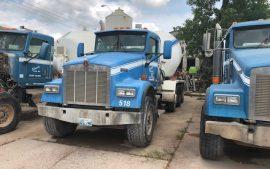 Picture of KW Mixer trucks